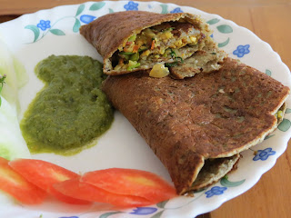 Stuffed Sprout Chilla | Moong Moth Chilla | Sprouted Chilla | foddiescorner