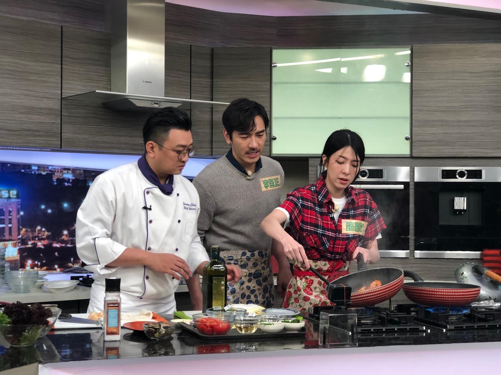 李至正,路嘉欣秀廚藝宣傳《黯夜》 比賽前先向媽媽求救 - WoWoNews
