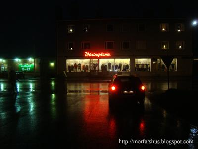 https://morfarshus.blogspot.se/2012/10/neonskylt-neonljus-kulturhistoria-skonhet.html