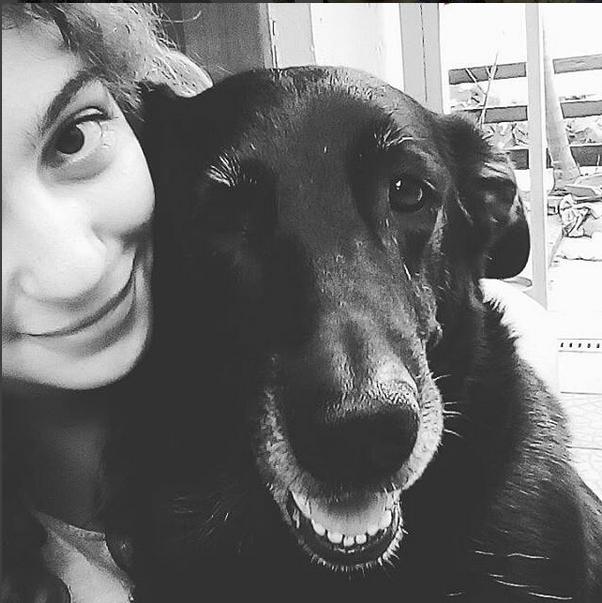 Minhas companheiras Fernanda, minha filha, e a Lola, que foi meu anjo da guarda por muitos anos e agora está no céu dos cachorros <3