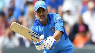 Dhoni denies given selectors shock, play matches