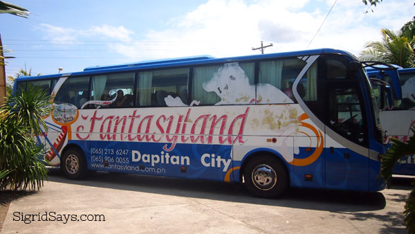 Dakak tour bus