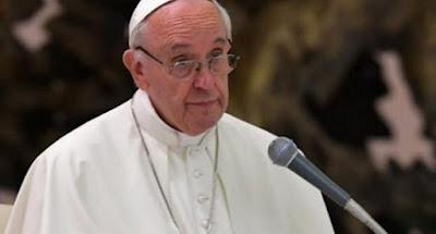 El papa publica documento que obliga a obispos a presentar renuncia a 75 años