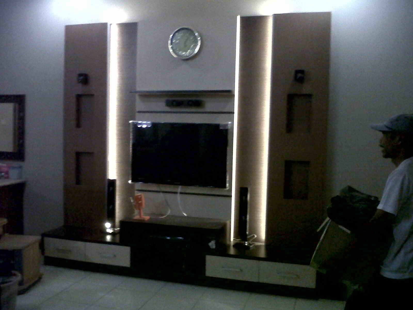 Rumah minimalis Desain rak tvminimalis