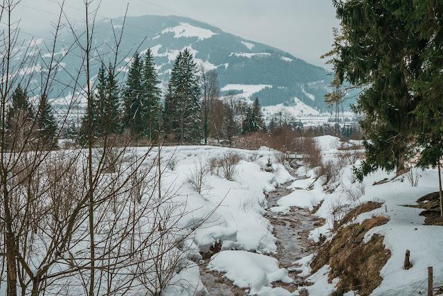 Nachtrodeln und Winterwandern in Saalfelden-Leogang  im Salzburgerland  Winterwanderung zur Einsiedelei  Nachtrodeln am Biberg 07