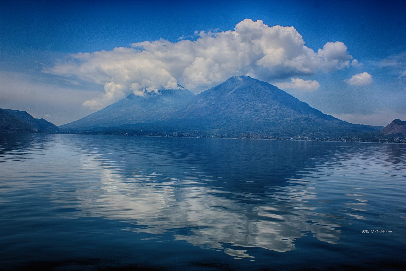 Guatemala volcanoes geology field trip travel Antigua Panajachel Pacaya Fuego Agua Atitlan copyright rocdoctravel.com