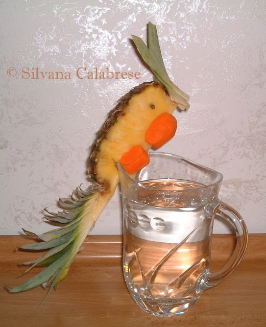 Carvings parrot with pineapple and carrot Loving san Francisco