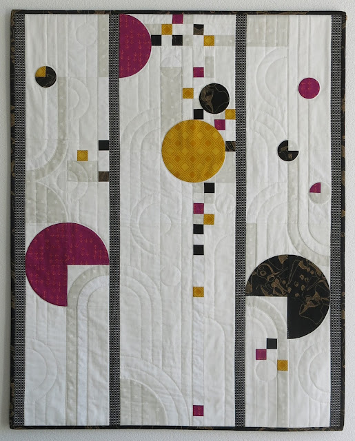 Luna Lovequilts - Art Deco style quilt inspired by Frank Lloyd Wright stained glass works