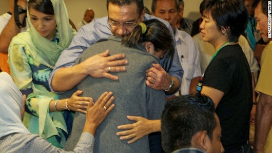 Malaysian official gives hope of finding survivors of flight 370