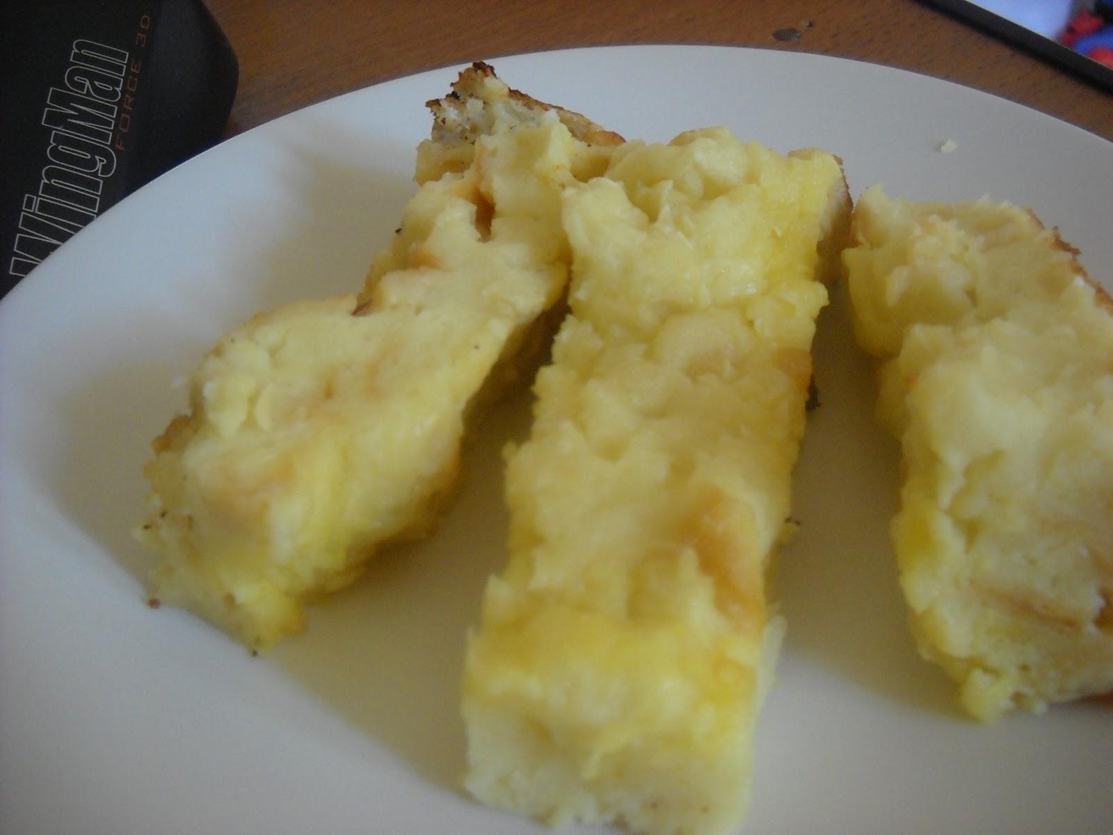 Dapoer Kampoeng Pudding Roti Panas Alias Prol Roti