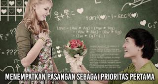 Menempatkan pasangan sebagai prioritas pertama menjadi salah satu alasan umum putusnya hubungan