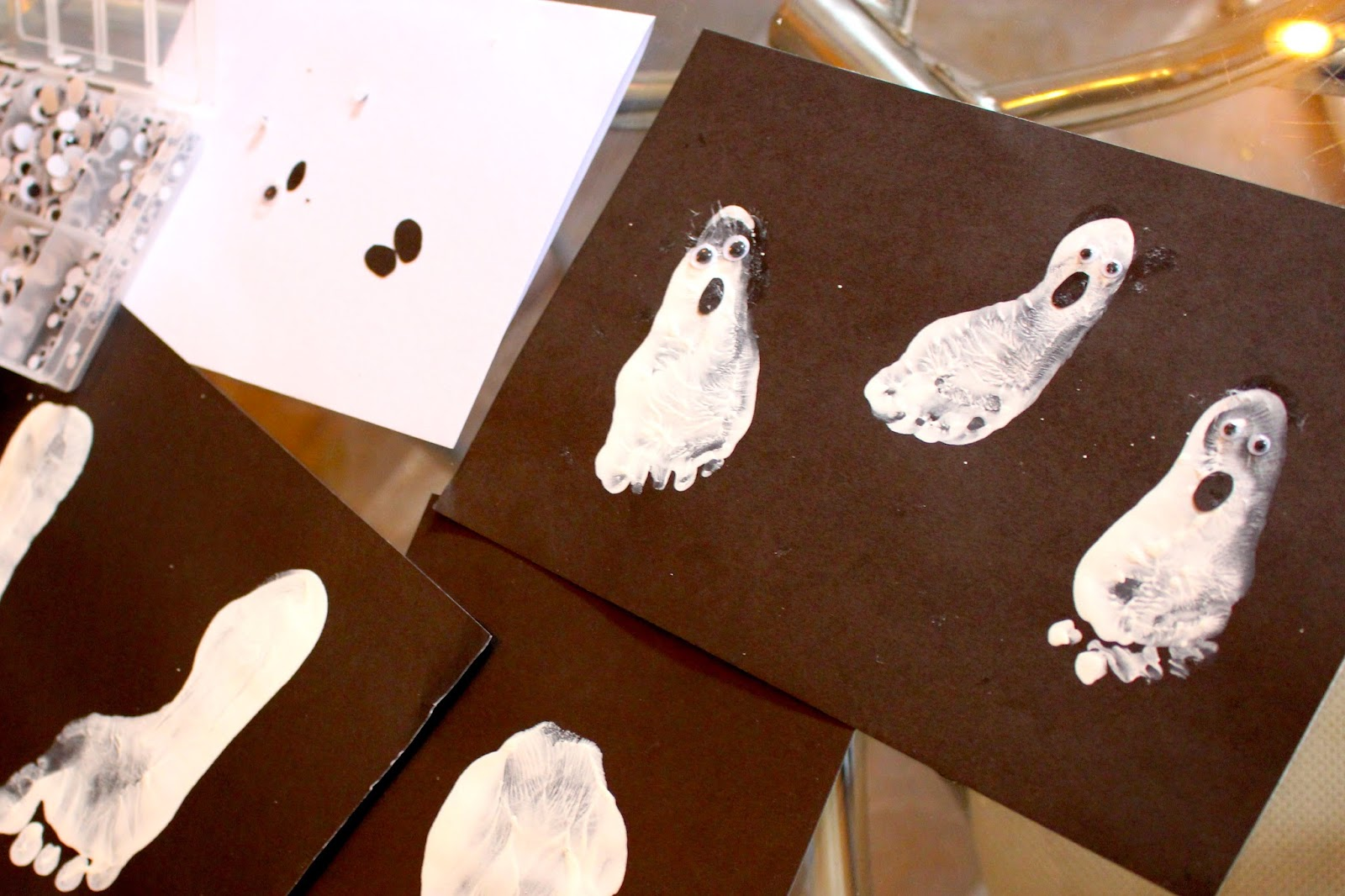 halloween ghost footprint craft for babies, toddlers and preschoolers