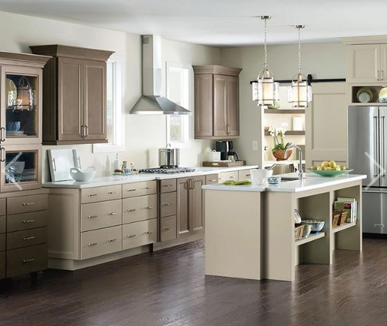 Maple Cabinets in Transitional Kitchen