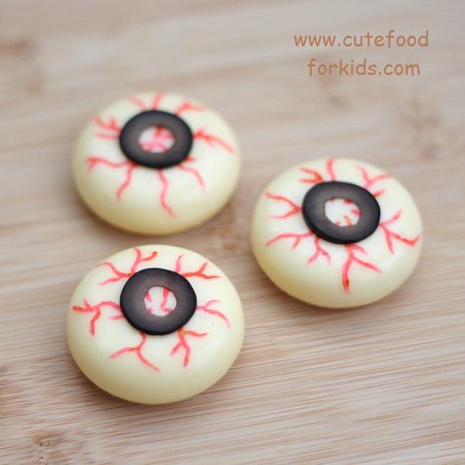 Cute Food For Kids?: Healthy Halloween Snack: Cheese Eyeballs