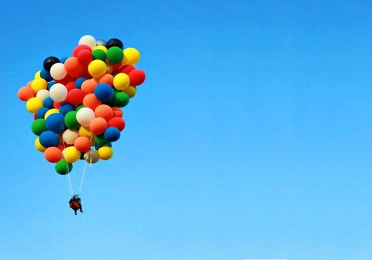 Uçan balonla uçan adam olarak hafızalara kazındı ve balonlarla uçmanın tehlikeli olmadığını gösterdi.