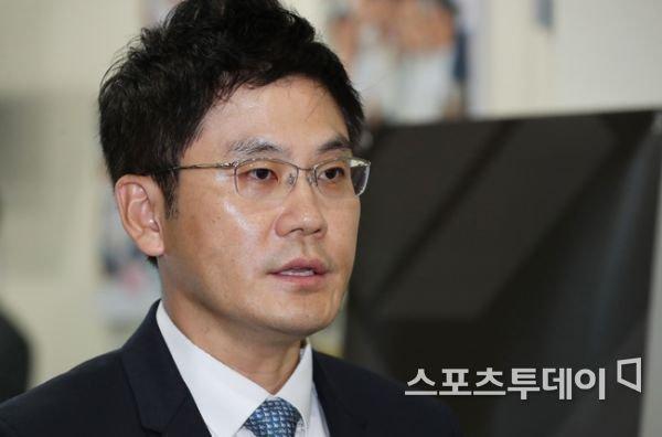 الانظار تتجه يانغ مين سوك بعد موافقة المساهمين لتعينه منصب المدير التنفيذي لشركة واي جي