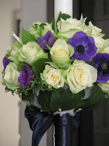 Nunta Cu Bujori Trandafiri Si Flori De Vara In Nuante Pastelate