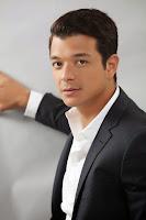 """Biodata Jericho Rosales sebagai Gabriel """"Gael"""" Nakpil"""