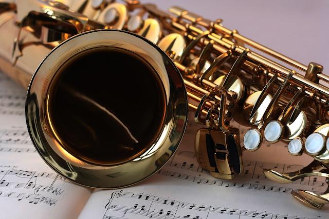 Puisi Musik Saxophone Pengiring Puisi