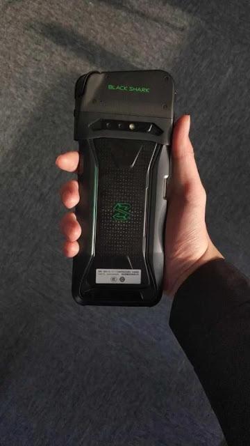 , Kebocoran Foto Ponsel Gaming Black Shark dengan Kontroler Game Bluetooth yang Dapat Dilepas, KingdomTaurusNews.com - Berita Teknologi & Gadget Terupdate