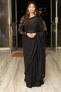 Priya Vadlamani In Black Saree