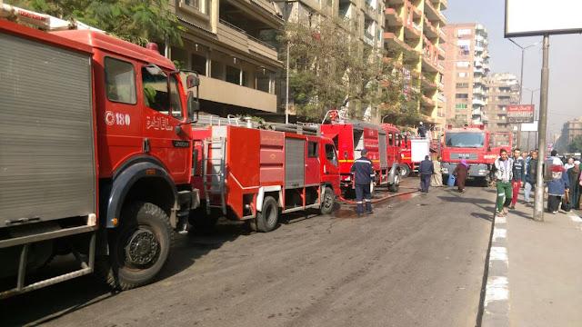 بالصور.. أمن القاهرة: السيطرة على حريق باب الشعرية والنيران امتدت لـ3 عقارات