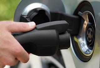 Sólo 1 de cada 10 conductores elegiría un eléctrico por su menor coste de mantenimiento