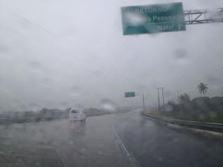 chuva na br 101 sentido João Pessoa