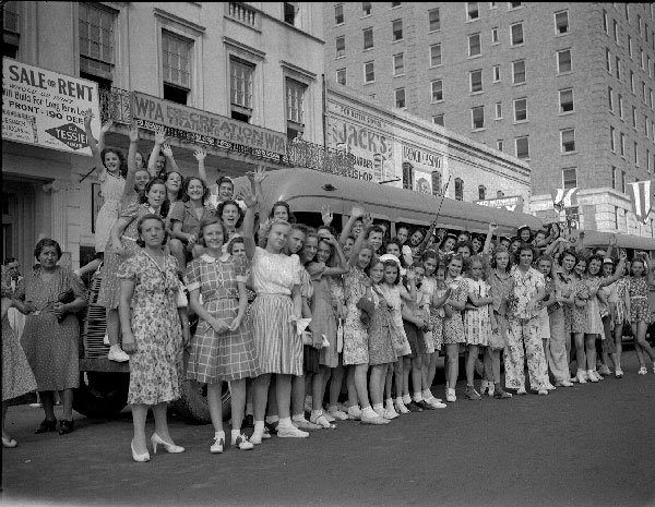 WPA girls in New Orleans, 19 August 1941 worldwartwo.filminspector.com