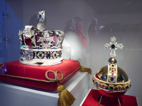 Crown Jewels replica props
