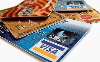 Imagem de 3 cartões de crédito