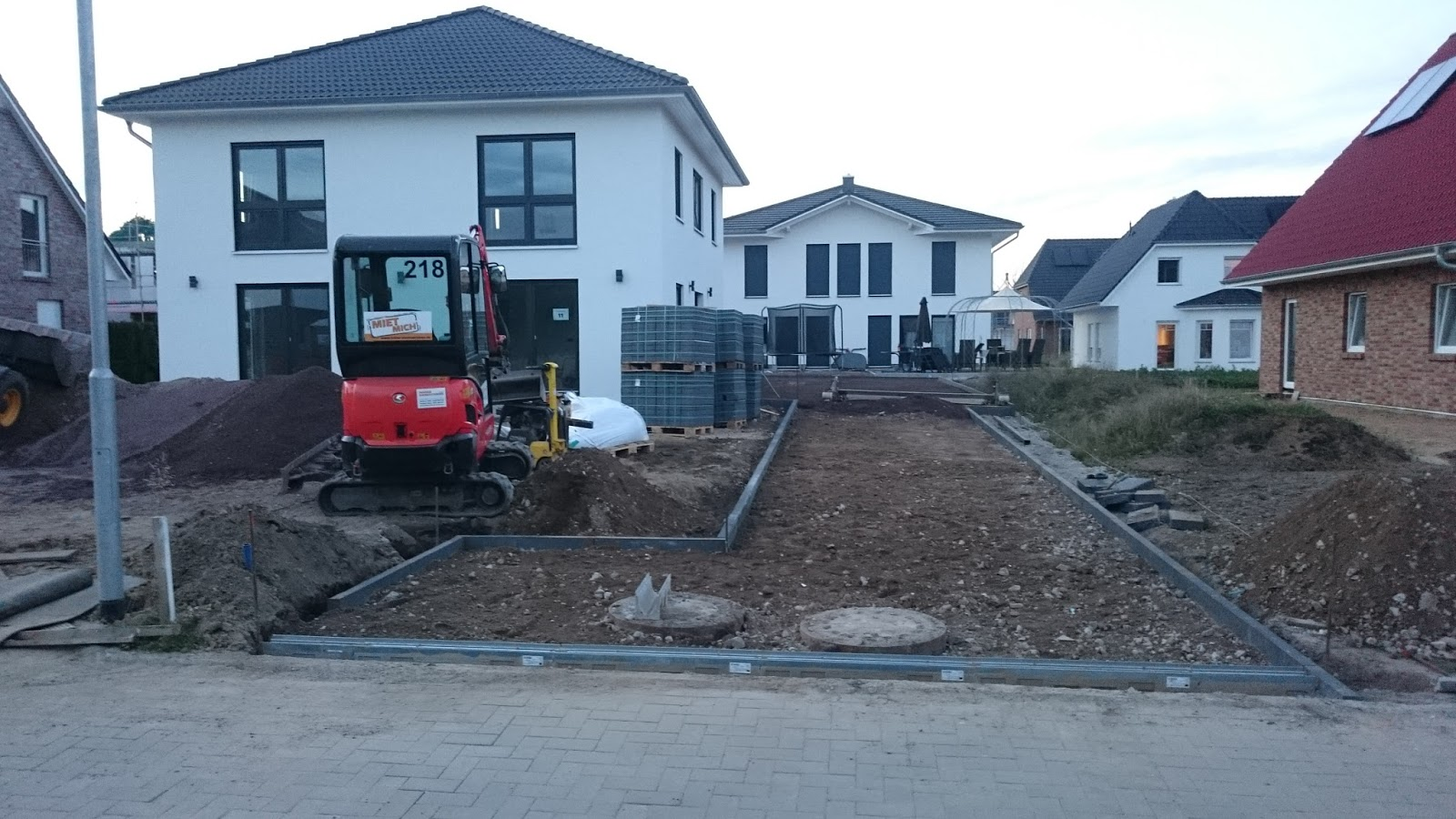 Einfahrt Schotter stadtvilla in elmenhorst stein für stein die einfahrt entsteht