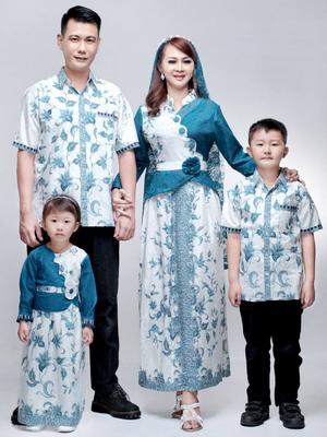 Gaya busana modern model batik khusus lebaran