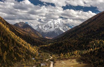 Yala Mountain por Geza Radics