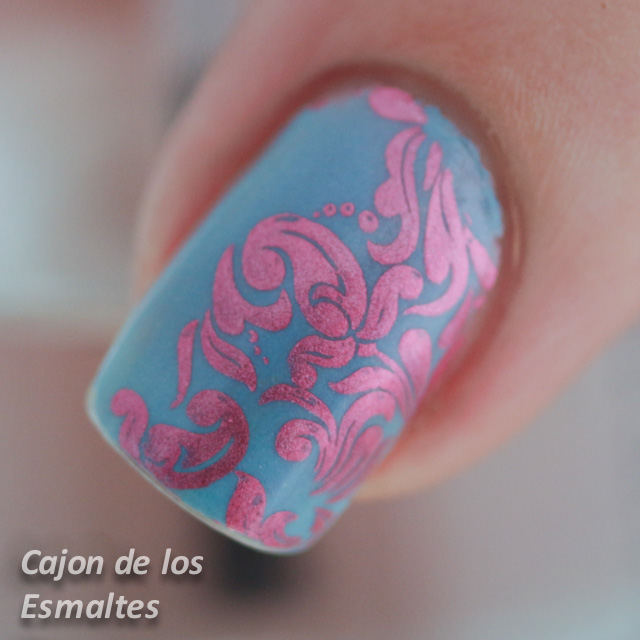 uñas decoradas rosa y celeste