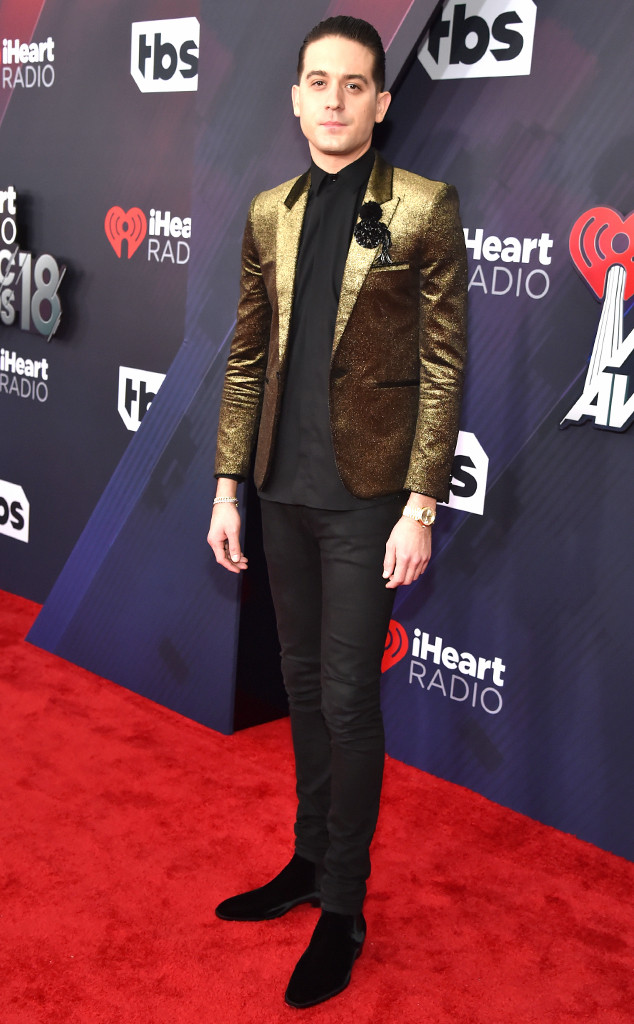 جميع اطلالات المشاهير من i heart radio awards red carpet 2018
