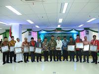 Gubernur Kaltara dan Sejumlah Tokoh Agama Terima  Harmoni Award