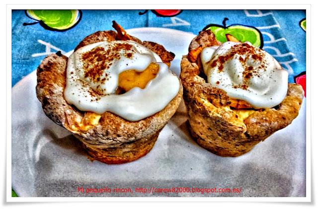 Pastelillos de crema pastelera y crema de nata