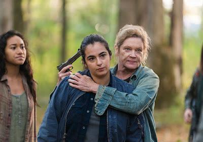 Tara Chambler (Alanna Masterson) e Natania (Deborah May) nell'episodio 15