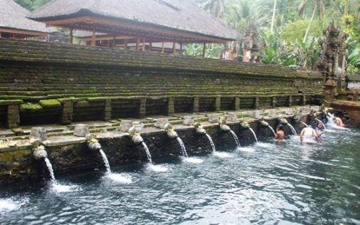 Pura Tirta Empul famous holy Spring Temple  BaliBeaches: Pura Tirta Empul famous holy Spring Temple & Purification ceremony amongst Showerheads