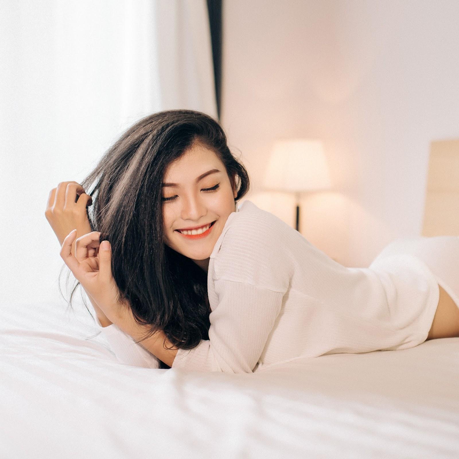 Cô lang y Nguyễn Thị Cẩm Nhung tiếp tục gây thương nhớ trong bộ ảnh mới