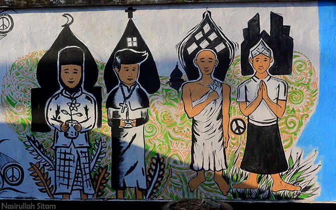 Mural menyiratkan pesan kerukunan antar umat beragama