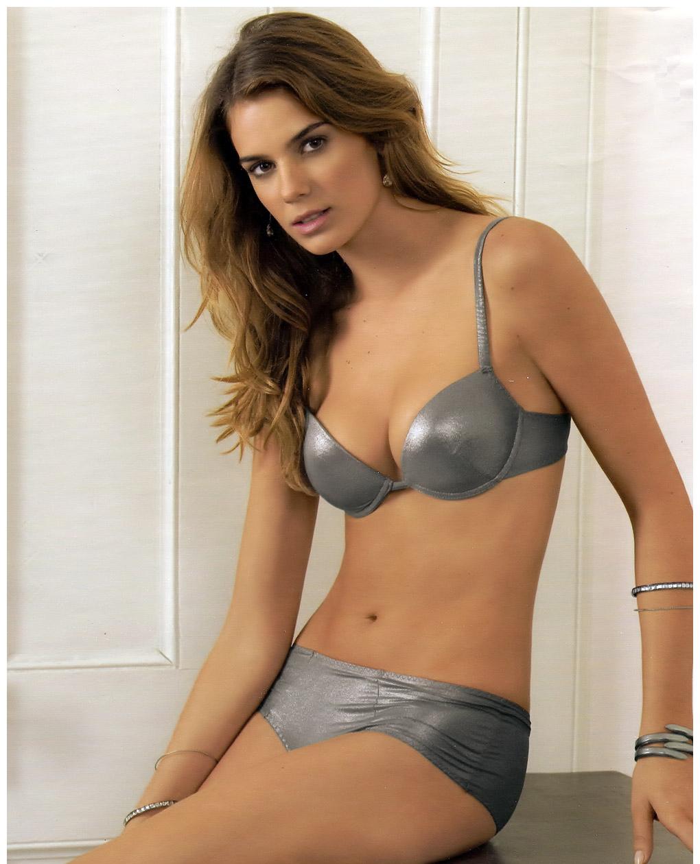 Argentinian Bikini 83