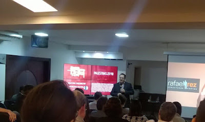 Foto de palestra sobre empreendedor digital