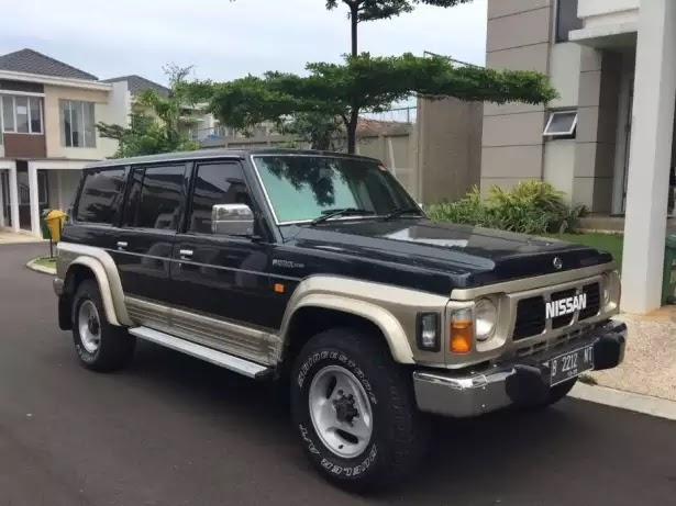 Mobil CBU Istimewa, Nissan Patrol Y60 KTT Tin Top Tahun 1994