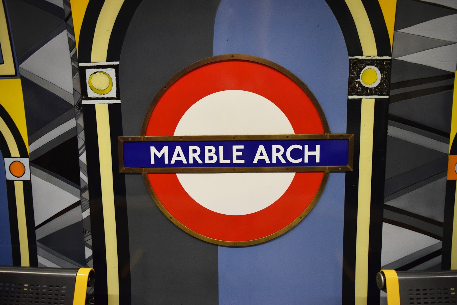 Marble Arch Tube station sign