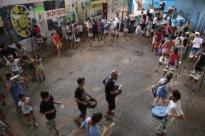 Ensaio do Cortejo da Maré no Canto do MARL com 70 jovens do projeto