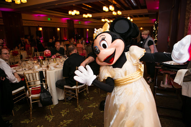 Disneyland Wedding - Minnie {Root Photography}
