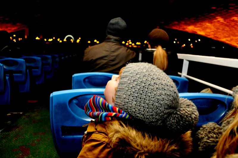 romantic paris river siene at night