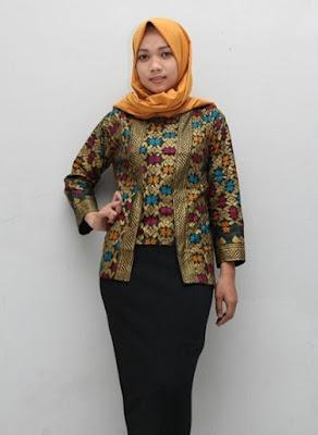 Baju batik muslim modern modis untuk bekerja